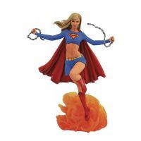 DC Gallery Supergirl Comic PVC Diorama 9-inch