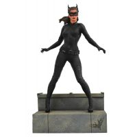 ​​​DC Gallery The Dark Knight Rises Movie Catwoman PVC Diorama 9-inch