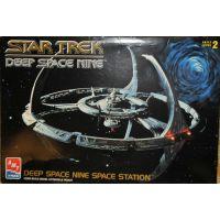 Star Trek Deep Space Nine DS9 station spatiale modèle à coller AMT ERTL 8778