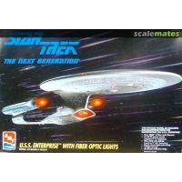 Star Trek The Next Generation TNG USS Enterprise avec lumière modèle à coller AMT ERTL 8772