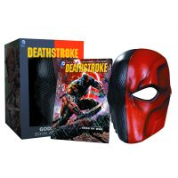 Death Stroke Volume 1 Gods of War Book and mask Set DC Comics ISBN 978-1-4012-5998-3