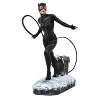 DC Gallery Batman Returns Catwoman PVC Diorama 9-inch Diamond Select Toys