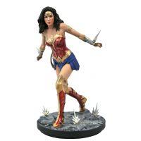 DC Gallery Wonder Woman 1984 Movie PVC Diorama 9-inch Diamond Select Toys