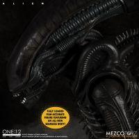 One:12 Collective - Alien action figure Mezco Toyz 76114