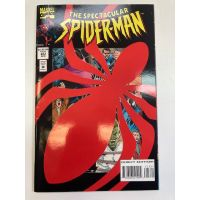 The Spectacular Spider-Man #223 (1976) Die-Cut Cover VF-NM Marvel Comics
