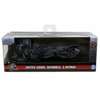 DC Comics – Justice League Batmobile with Batman Figure 1:32 scale Jada Toys 31706