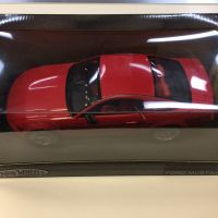 Voiture Ford Mustang GT 2004 rouge 1:18 Hot Wheels G7157