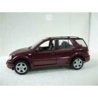VUS Mercedes-Benz ML55 AMG bourgogne 1:18 Ruff n'Tuff Maisto 31801