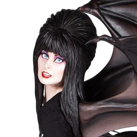 Elvira Masterpiece 1:4 Scale Statue Enesco LLC 907684