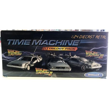 Back to the Future Time Machine DeLorean 1:24 scale diecast trilogy pack Welly 22400-3G
