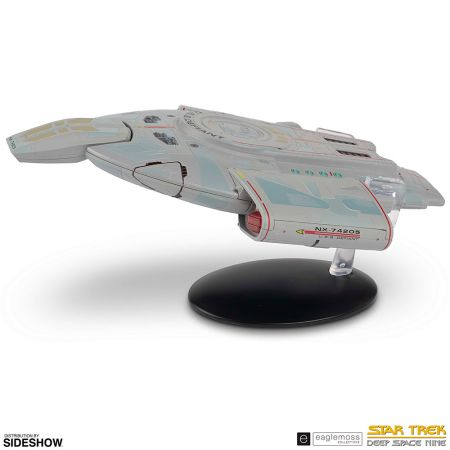 Star Trek: Deep Space Nine (DS9) Starship USS Defiant NX-74205 EagleMoss SSSUK607 (905895)